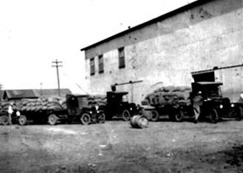camiones_carga_molino_arrocero_obregon_sonora_mexico_1924