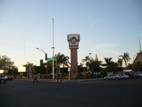 monumento_reloj_ornamental_ciudad_obregon_sonora_mexico
