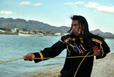 Madurez y sabiduría, estaciones de la vida entre las comunidades seris de El Desemboque y Punta Chueca